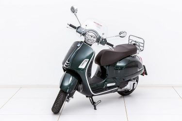 Vespa GTS 300 hpe Touring bei Zweirad – Auto Meisinger in