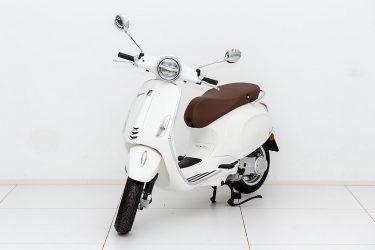 Vespa Primavera 50 4V bei Zweirad – Auto Meisinger in